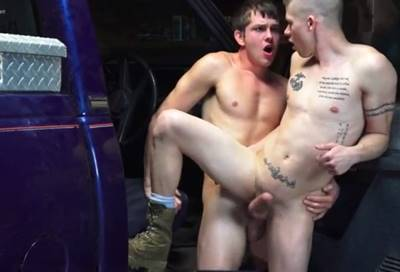 Sexo com mecânico gay que adora fuder mecanico Gostoso